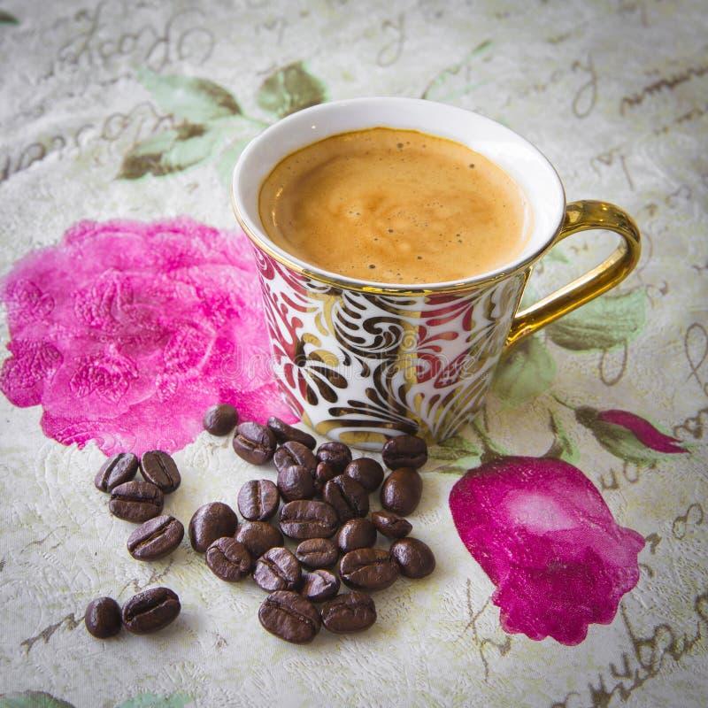 Download Café image stock. Image du ground, breakfast, cuvette - 45352963