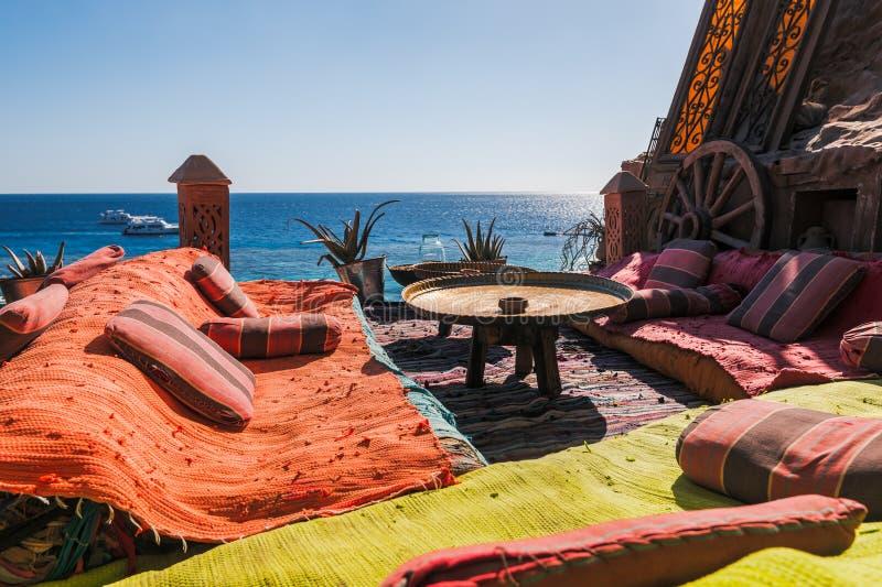 Café Arabe sur la côte de la Mer Rouge photo stock