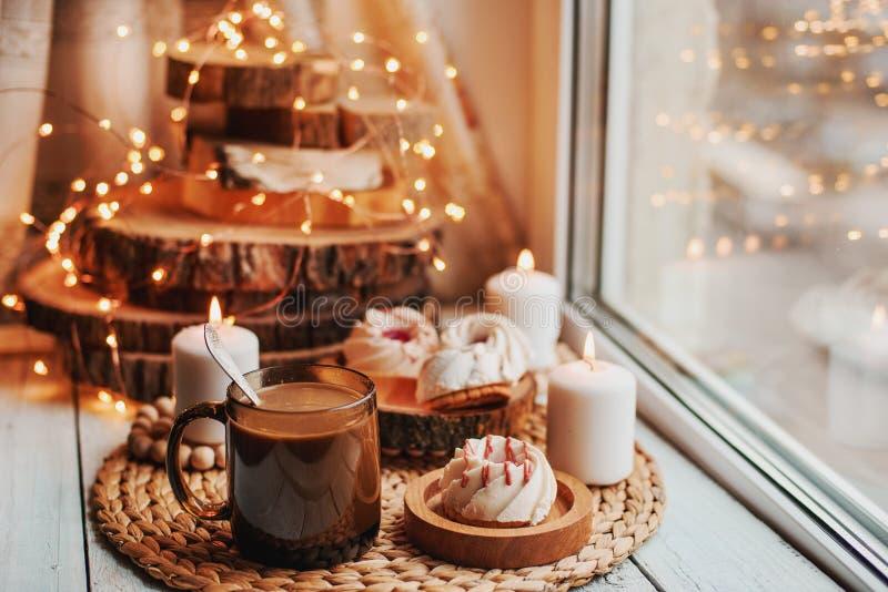 Café avec des bonbons photos stock