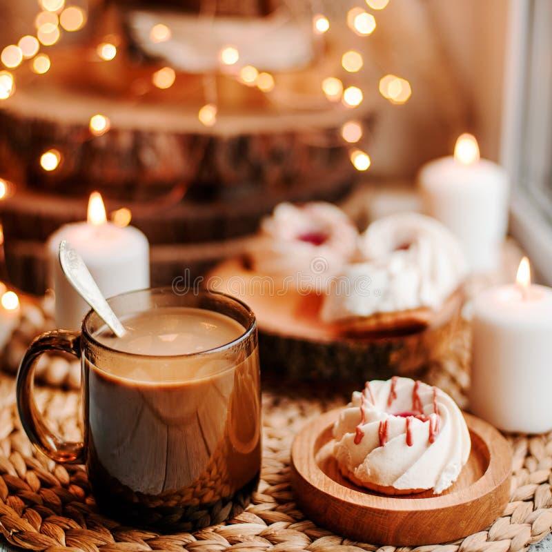 Café avec des bonbons photos libres de droits