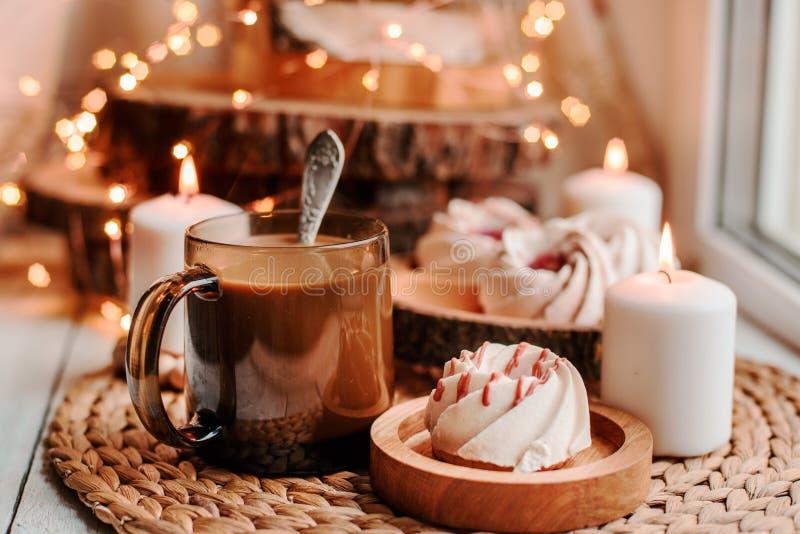 Café avec des bonbons image libre de droits