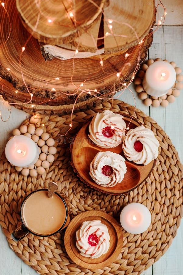 Café avec des bonbons image stock
