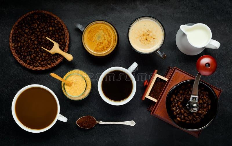 Café avec des ingrédients de brassage photos libres de droits