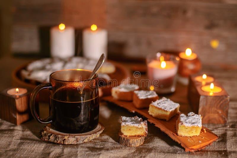 Café avec le gâteau photos stock