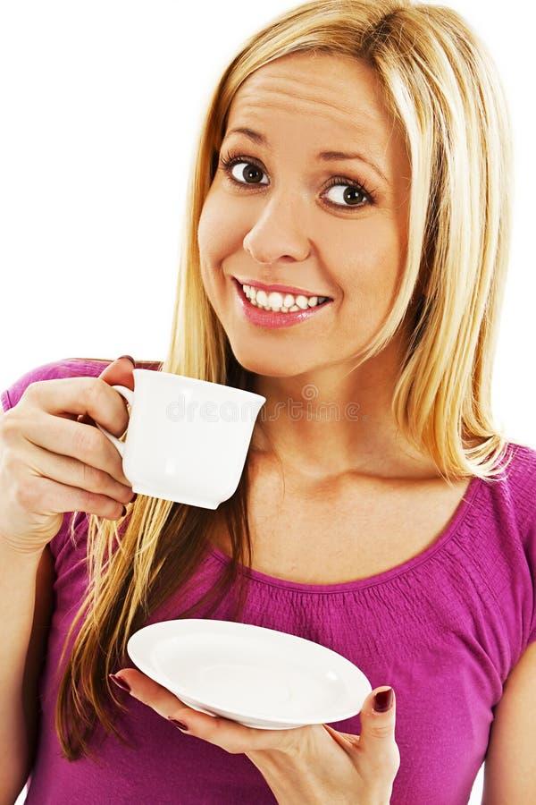 Café bebendo da mulher bonita nova foto de stock
