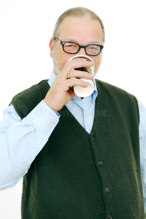 Café bebendo do homem foto de stock