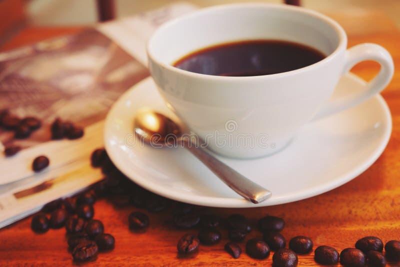 Café caliente del americano por la mañana fotografía de archivo