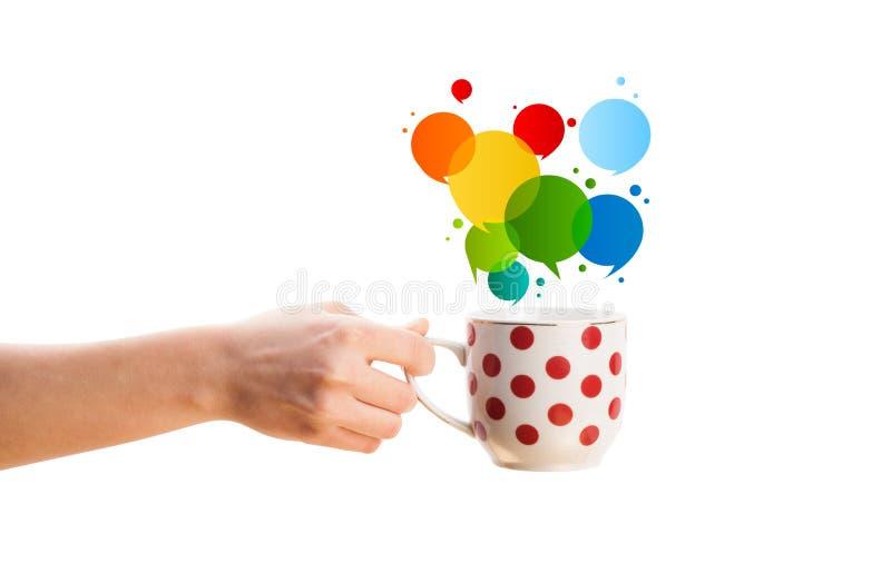Café-caneca com bolha abstrata colorida do discurso imagens de stock