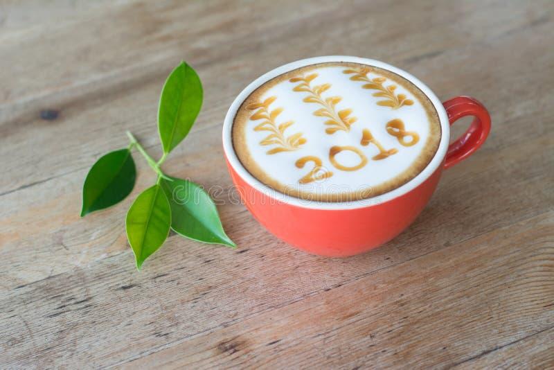 café chaud avec l'art 2018 de lait de mousse photo libre de droits