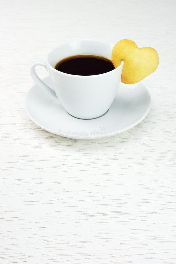 Café com cookie do coração imagens de stock