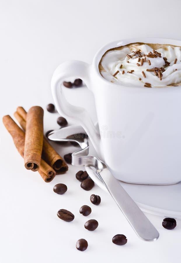 Café com creme chicoteado imagens de stock
