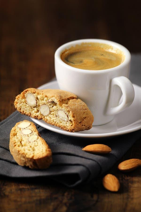 Café con cantuccini foto de archivo