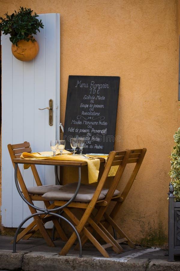 Café d'été de la Provence images stock
