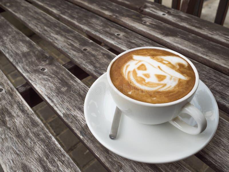 Café da abóbora de Dia das Bruxas foto de stock