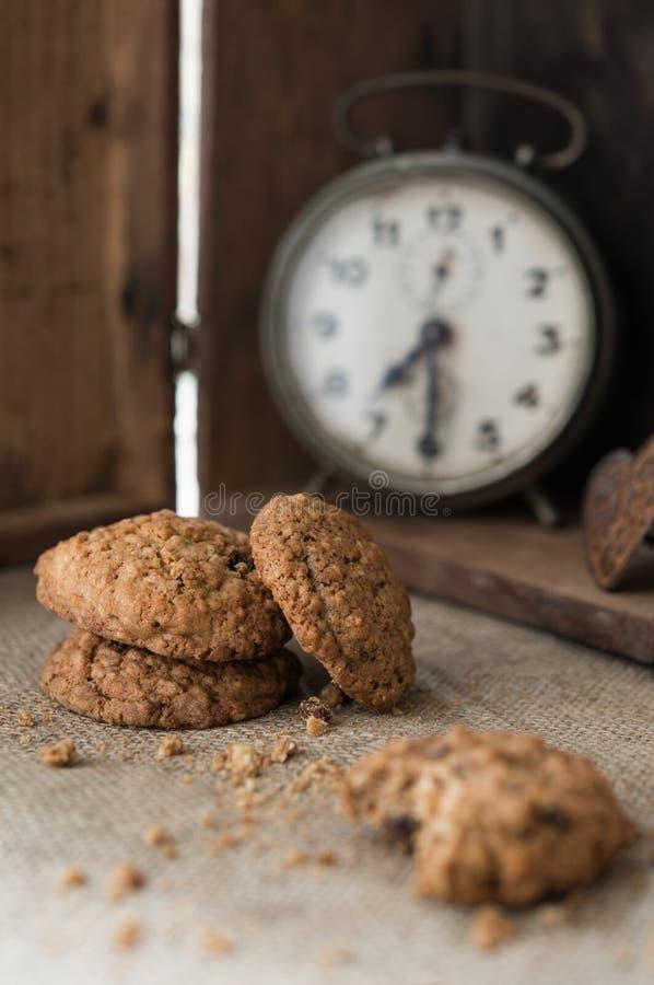 Café da manhã com biscoitos do chocolate foto de stock