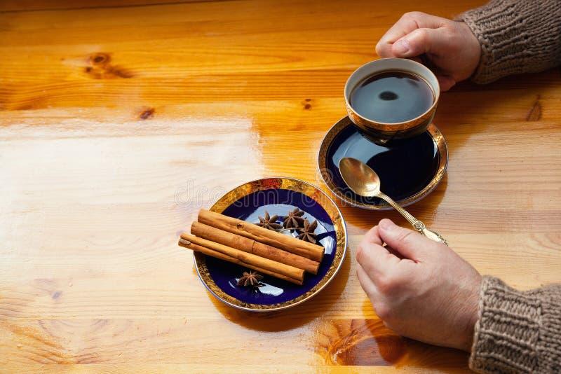 Café da manhã da manhã com café imagem de stock royalty free
