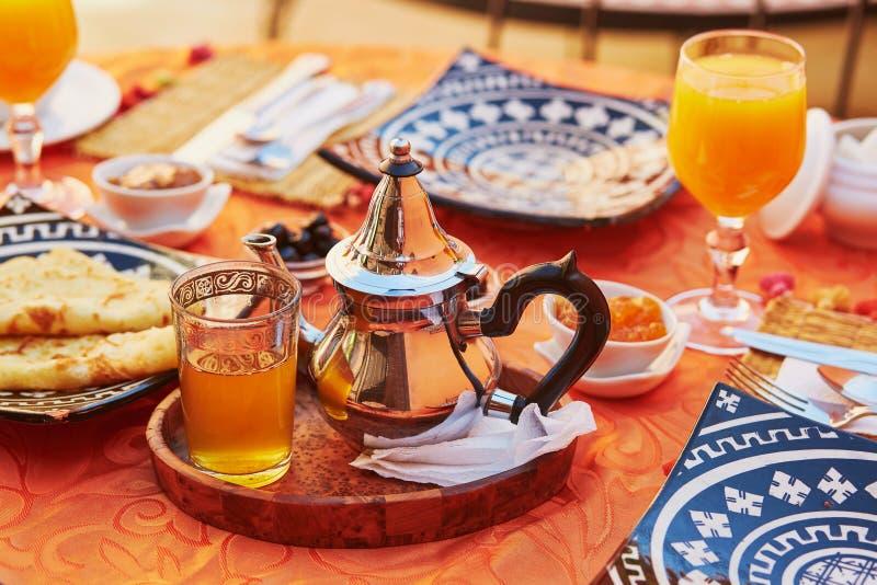 Café da manhã delicioso no estilo marroquino fotos de stock royalty free