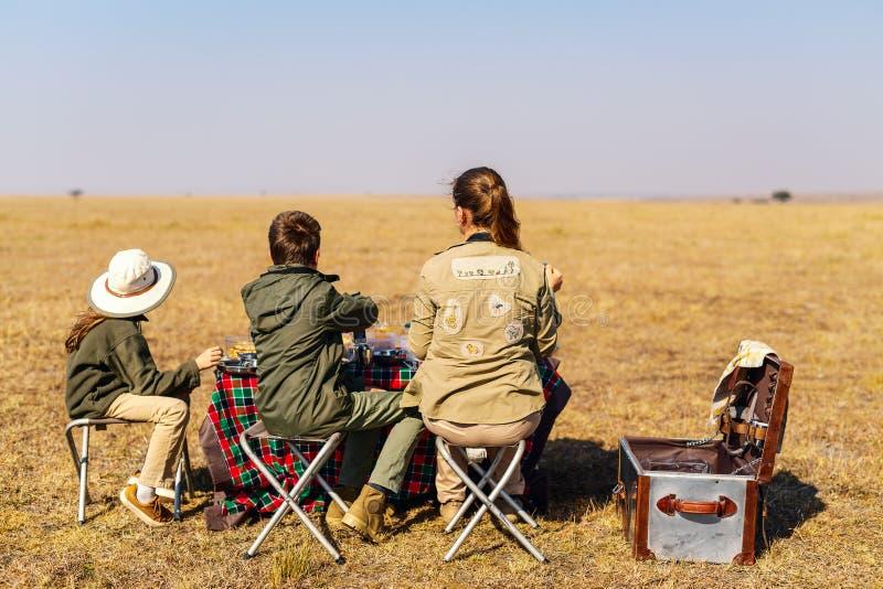 Café da manhã do safari da família fotografia de stock