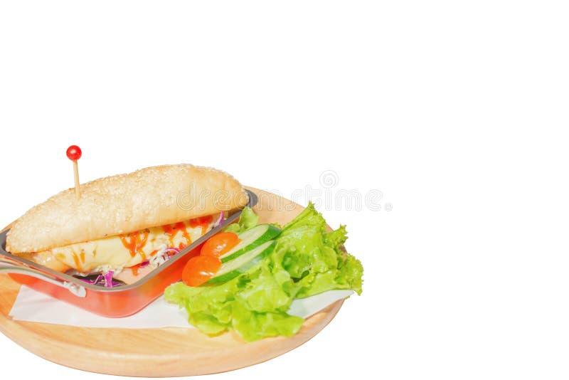 Café da manhã, hamburguer do cachorro quente e queijo vegetal da lava no fundo branco fotos de stock