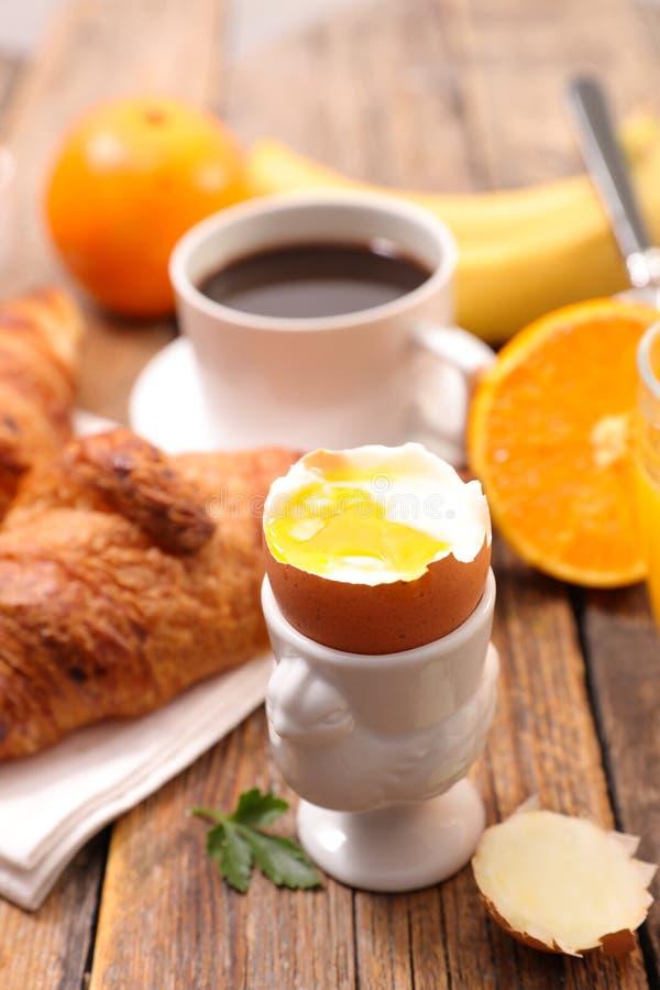Café da manhã macio do ovo cozido imagens de stock royalty free