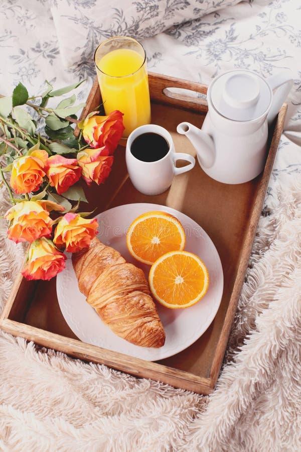 Café da manhã na cama foto de stock royalty free