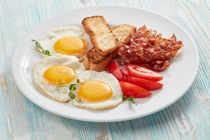 Café da manhã na placa fotografia de stock royalty free