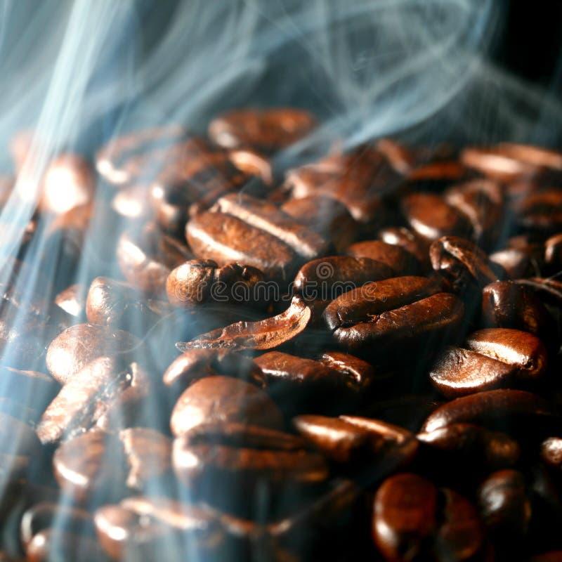 Café dans la fumée image libre de droits