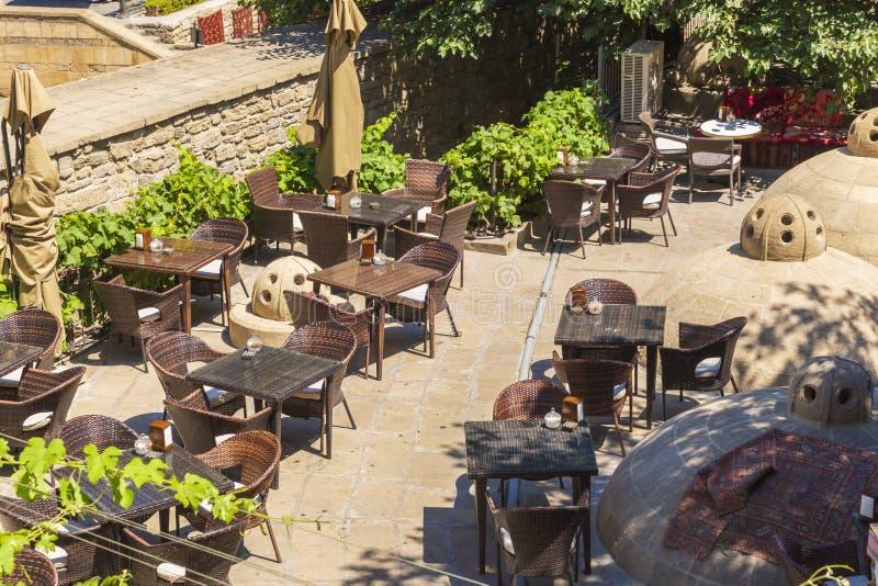 Café dans la vieille ville à Bakou photographie stock libre de droits