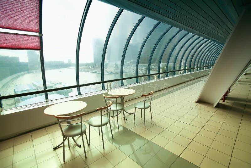 Café dans le pont vitré photo libre de droits
