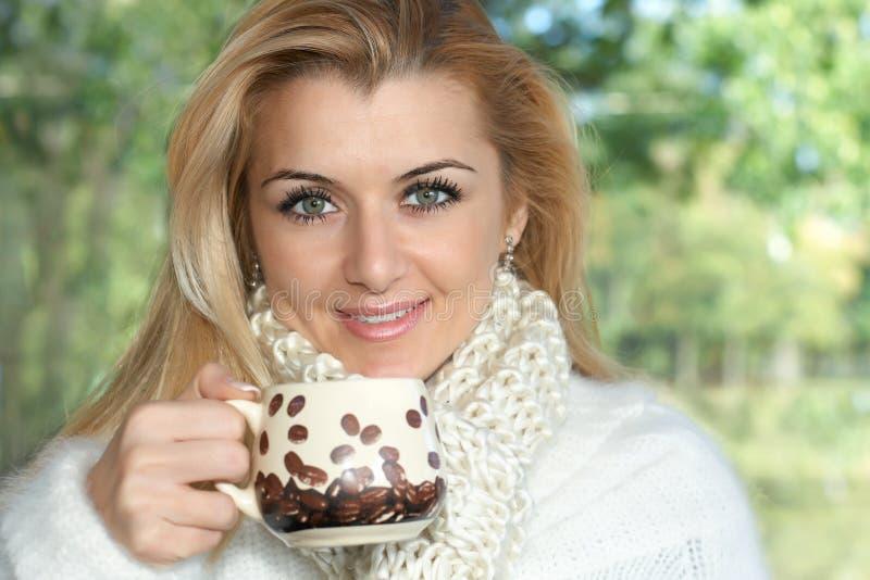 Café de boissons de femme images libres de droits