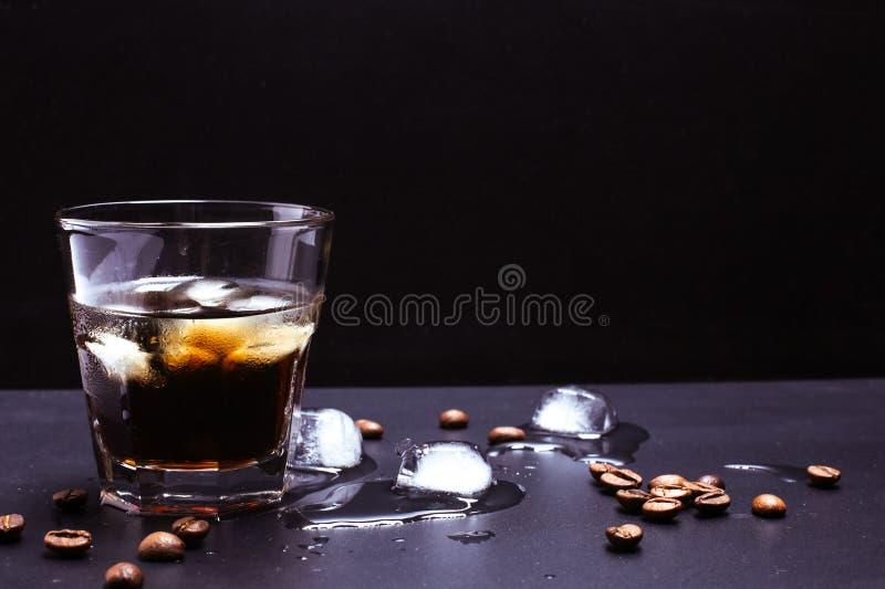 Café de glace avec le whiskey photographie stock