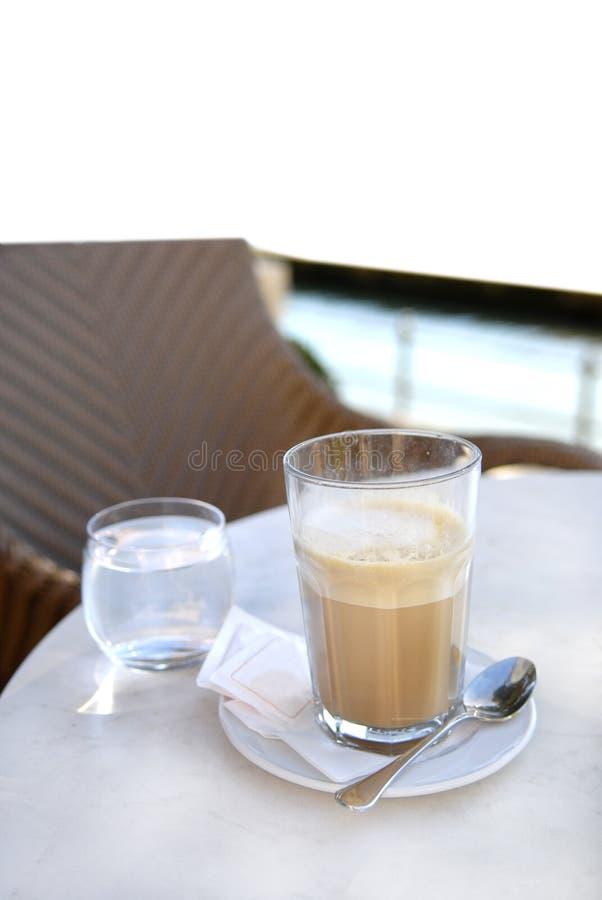 Café de Latte en un vidrio fotografía de archivo