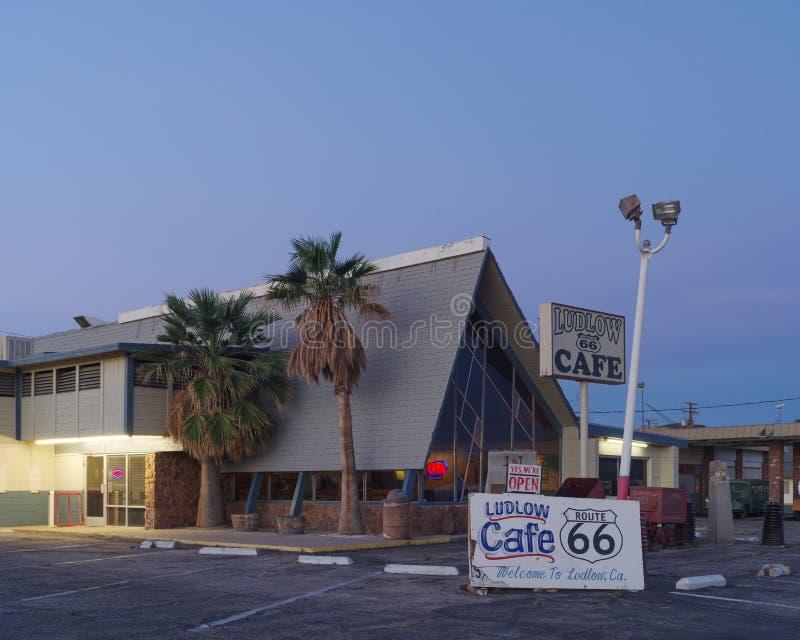 Café de Ludlow en Route 66 histórico fotos de archivo