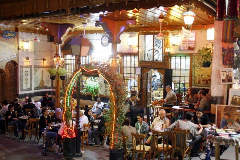 CAFÉ DE MÉDIO ORIENTE SÍRIA DAMASKUS UM NAFURA imagem de stock