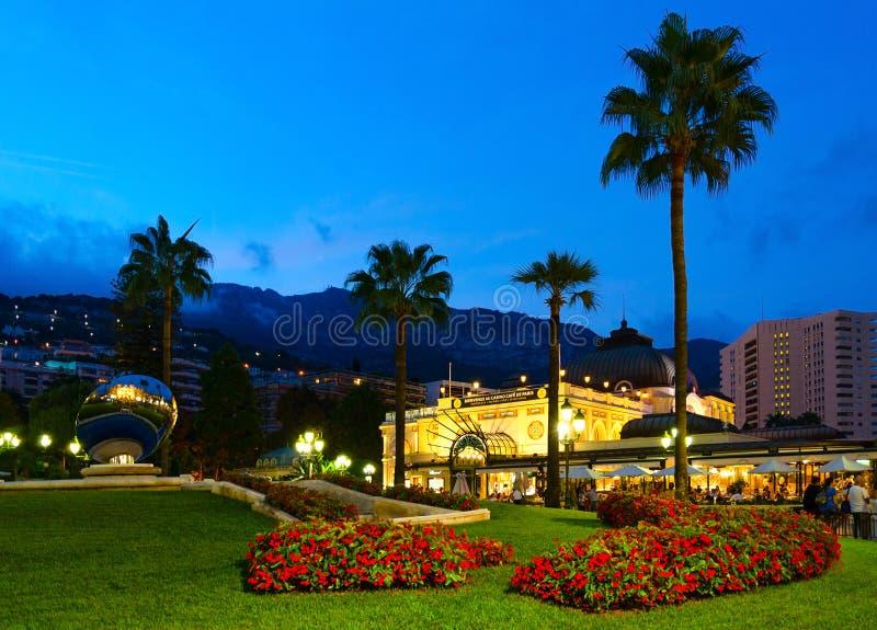 Café De Paris Monte Carlo sur Place du Casino, égalisant la vue, Montу Carlo, Monaco image libre de droits