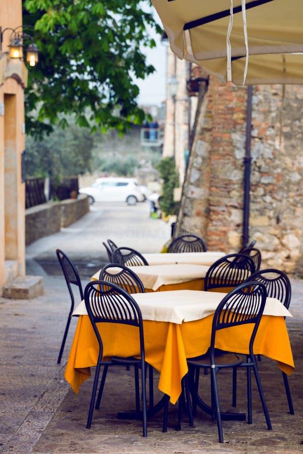 Café de rue chez l'Italie photo libre de droits