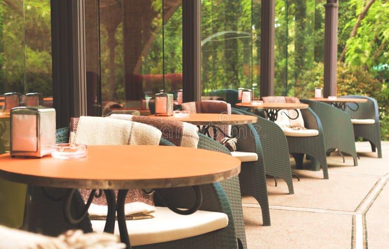 Café de trottoir images stock