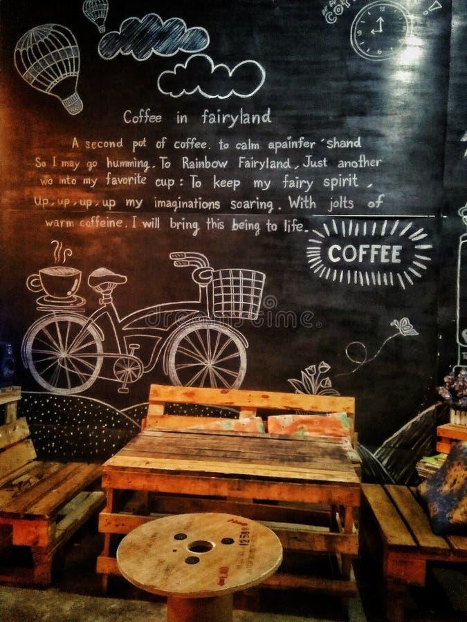 Café de TtpkCafe dans l'animal familier du royaume des fées A deuxième du café image stock