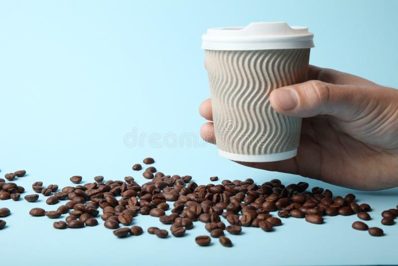 Café del aire libre, taza para llevar Fondo para una tarjeta de la invitaci?n o una enhorabuena imagen de archivo libre de regalías