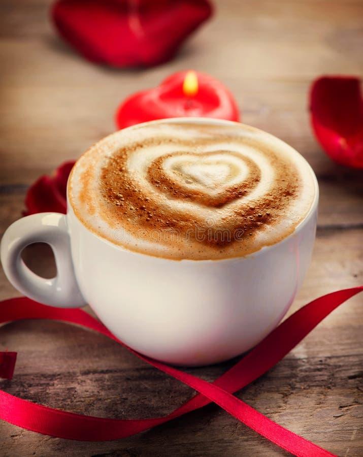 Café del día de tarjeta del día de San Valentín fotos de archivo libres de regalías