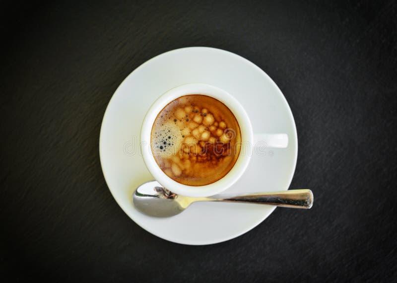 Café del café express en pequeña taza blanca imágenes de archivo libres de regalías