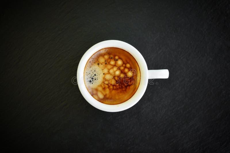 Café del café express en pequeña taza blanca imagen de archivo libre de regalías