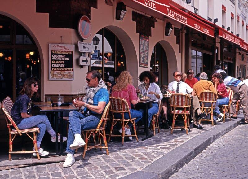 Café del pavimento, París imágenes de archivo libres de regalías