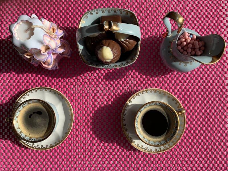Café do café em uns copos bonitos foto de stock royalty free