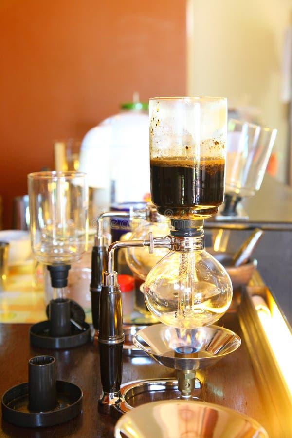 Café do estilo velho que faz a máquina. foto de stock