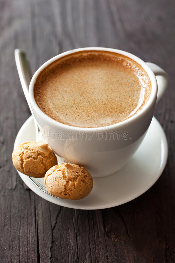 Café e amarettini foto de stock