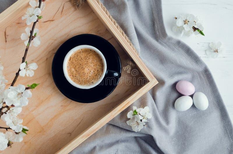 Café e flor de cerejeira fotos de stock