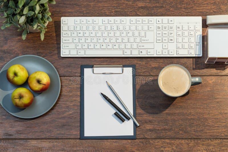 Café e maçãs imagens de stock