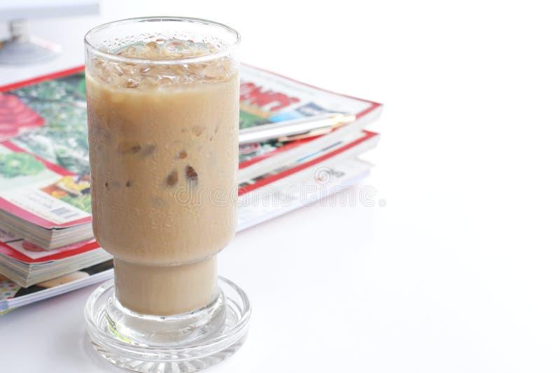 Café e notícia imagens de stock