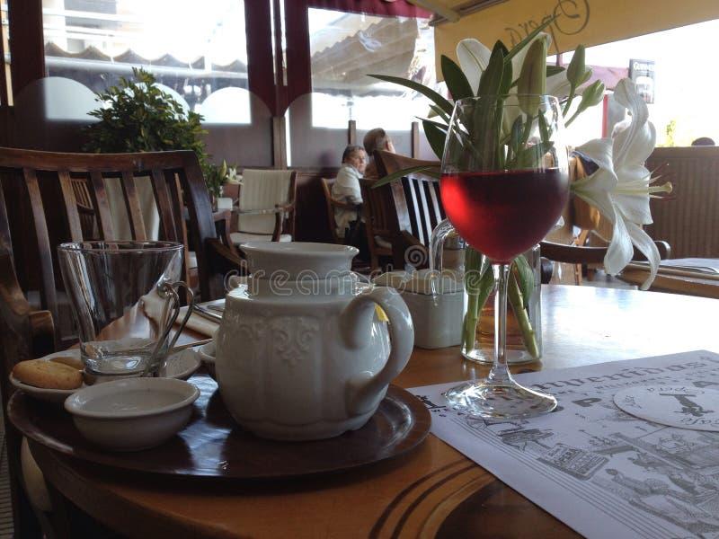 Café e vinho imagens de stock